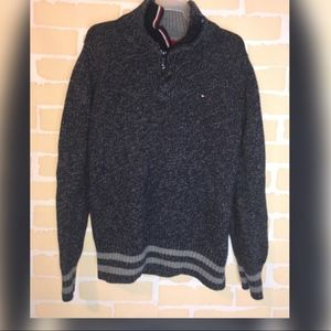 Tommy Hilfiger Small (8/10) sweater pullover zip